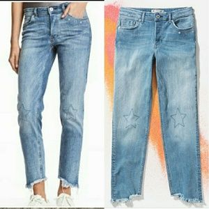 🎵 H&M Loves Coachella Distressed Jeans